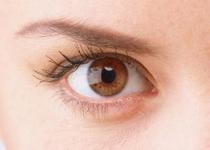 小心长时间使用电脑可能引发视网膜脱落